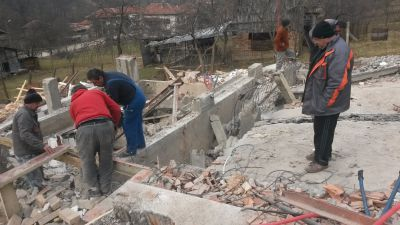Събаряне на сгради - Изображение 3
